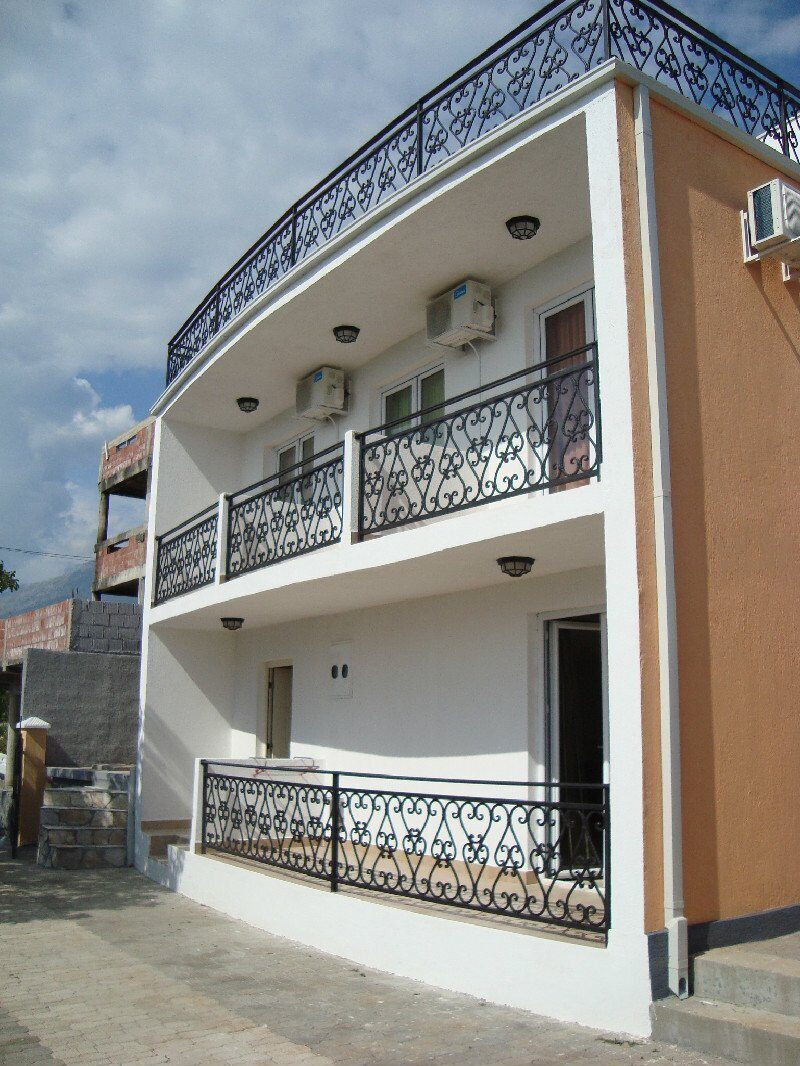 Купить апартаменты в черногории на берегу моря недорого с фото